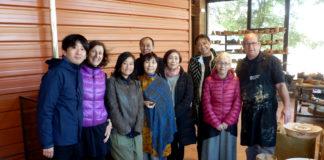 El Museu de la Terrissa de Quart rep la visita d'una delegació d'artistes ceramistes japonesos