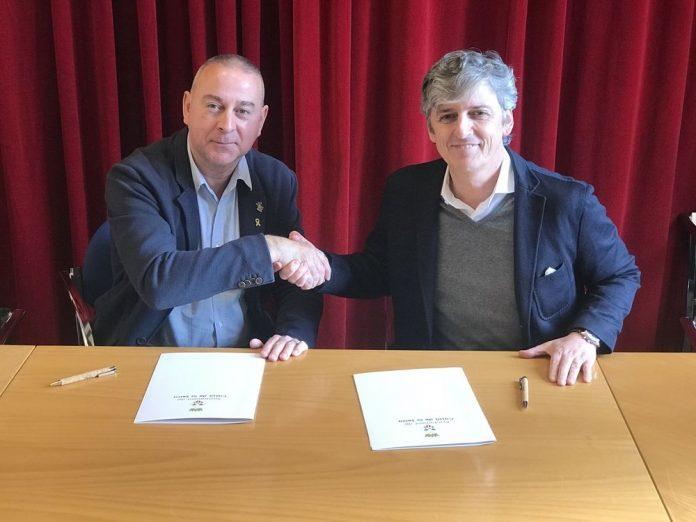 L'Ajuntament de Cassà de la Selva i la Fundació per a la Promoció del Sector Surer han signat un conveni de col·laboració per a la promoció i dinamització del suro i el sector surer