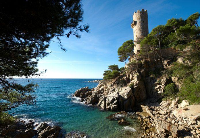 Calonge i Sant Antoni tindrà les platges obertes per la revetlla de Sant Joan, però tallarà l'accés a bona part de les cales